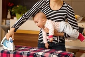 A (NU) călca hainele bebeluşului