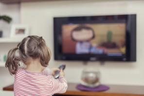Abandonarea copilului la TV, neglijența zilelor noastre