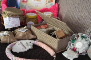 Idei de cadouri de Crăciun (3): de la mame care lucrează de acasă
