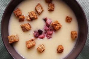 Cea mai bună supă cremă de cartof copt (și pentru copii)