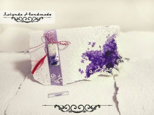 Felicitare-liliac-hartie-manual-martisor-pictate-LH01