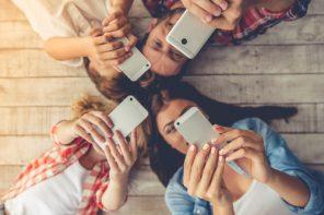 Părintele, smartfonul și copilașii