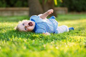 Când plâng prea tare, unii copii încetează să mai respire: fac spasmul hohotului de plâns