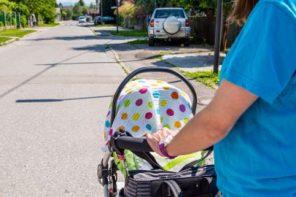 Nu acoperiți cărucioarele cu eșarfe și pânze, copilul se poate sufoca și supraîncălzi
