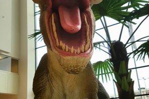 Dinozaurii vin! (p)