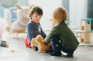 Copiii din România au dreptul prin LEGE la o adaptare treptată la creșă (plus 22 de strategii pentru o acomodare lină)