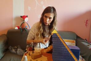 Cum se joacă un copil de 38 de ani (p)