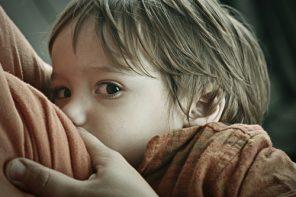 Alăptarea prelungită, prea puțin încurajată în România zilelelor noastre