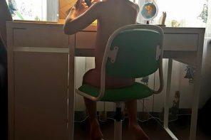 Cum am ales primul nostru birou pentru școală (și scaun, veioză, rafturi, cutii, somon cu sos) (P)
