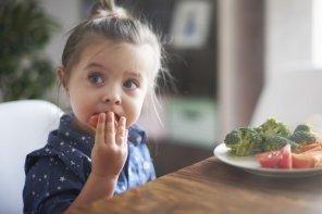 Putem să ne hrănim copiii sănătos în ziua de azi? Și dacă da, cu ce cost?
