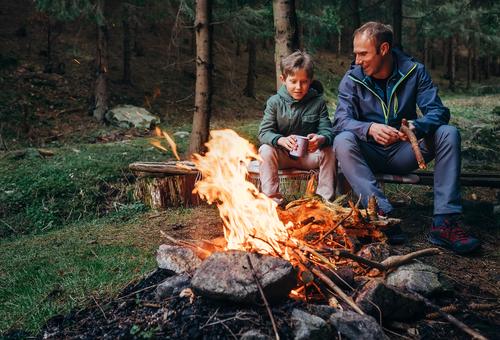 Care este singurul lucru care ne împiedică să repetăm greșelile părinților noștri? (Jesper Juul)